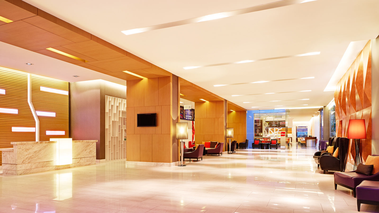 Four Points by Sheraton Bangkok, Sukhumvit 15 - Lobby